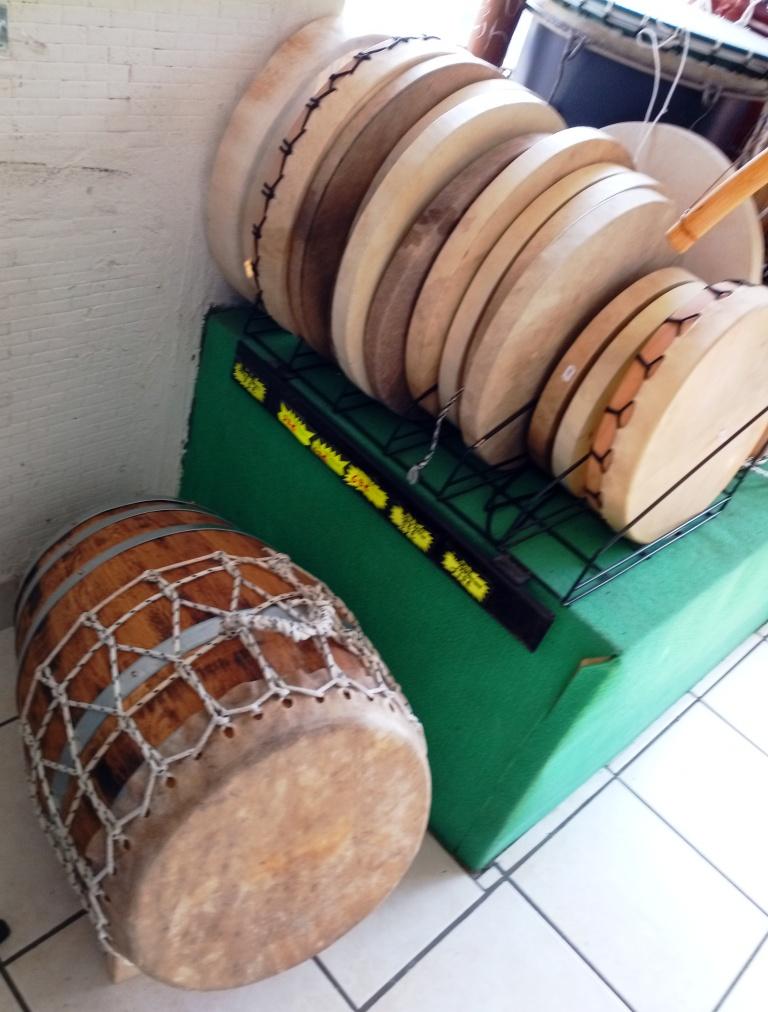 Roulèr (moyen) et tambours chaman & tambours malbars