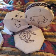 Tambours avec dessins